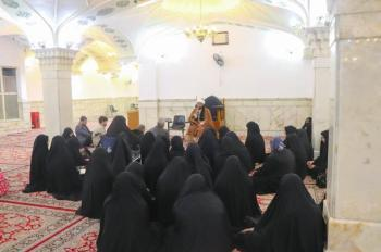 The Religious Affairs Department, represented by the Religious Education and Guidance Division, hosted a group of professors and students of the universities of the capital, Baghdad, in the Imam Ali (PBUH) holy shrine.