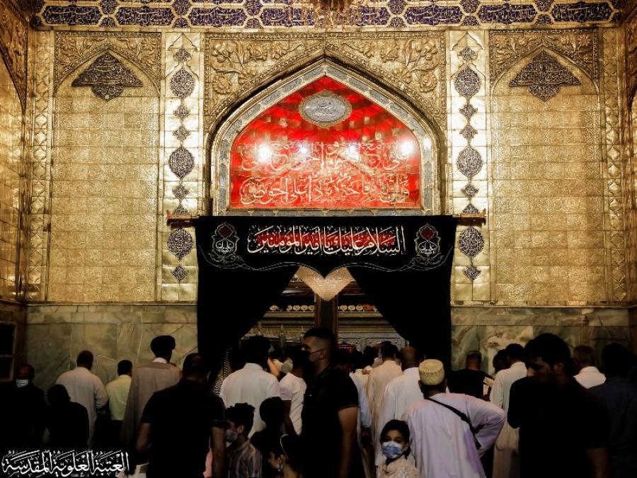 نشر معالم الحزن في رحاب مرقد أمير المؤمنين (ع) لإحياء ذكرى شهادته الأليمة + صور