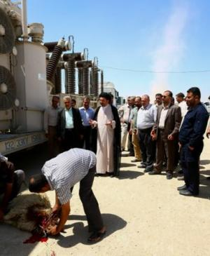Secretary General of Imam Ali Holy Shrine supervises the receiving of the Electric Transmission Station of the Qanbar Residential Complex in Preparation for linking it to the national network.